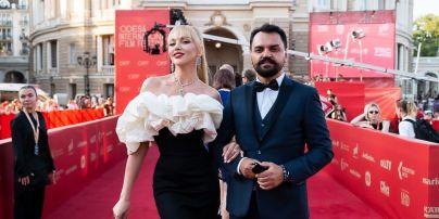 Оля Полякова объявила дату выхода своего первого фильма