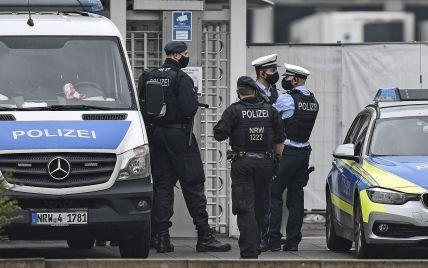 Наркоторговец заснул на телефоне и случайно вызвал полицию: его задержали