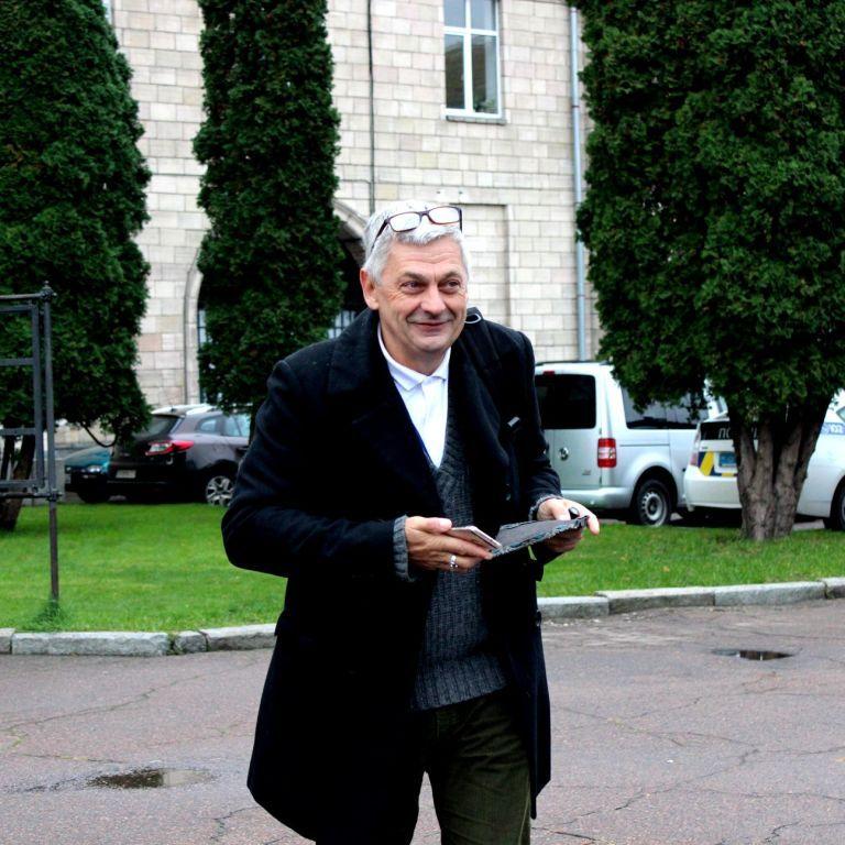 МФЖ призвала Украину найти убийц журналиста Вадима Комарова