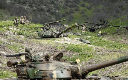 Міноборони Азербайджану опублікувало відео обстрілів позиції вірменської армії в Нагірному Карабаху