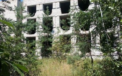 Порізане тіло у закинутій будівлі: у вбивстві підлітка в Житомирській області запідозрили 15-річну дівчину