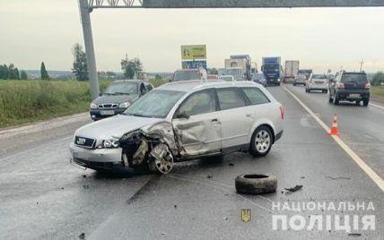Под Львовом в ДТП пострадала целая семья: 2-летний ребенок погиб на месте