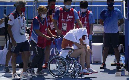 Покинула корт на візку: іспанська тенісистка знялася з матчу Олімпіади в Токіо через спеку