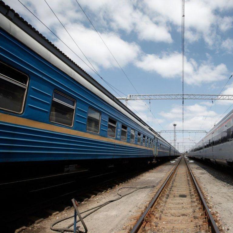 """Міністр інфраструктури прокоментував підвищення цін """"Укрзалізниці"""""""