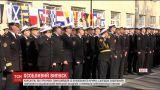В Одессе 27 курсантов получили лейтенантские погоны и морские кортики офицеров