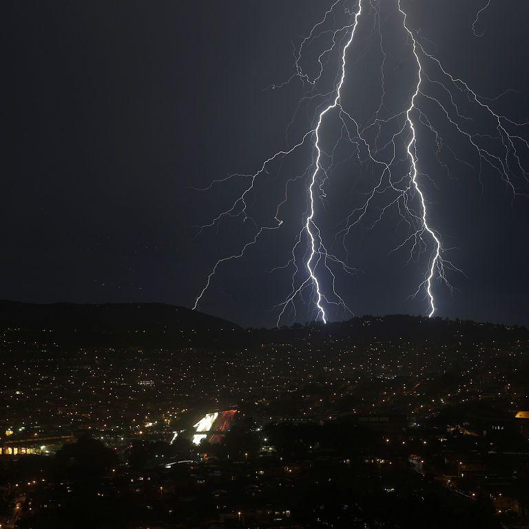 За тиждень - 60% місячної норми опадів: у Києві синоптики прогнозують залпові грозові дощі