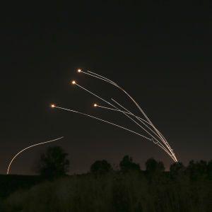 Ізраїль відреагував на випущені з СектораГази кулі з вибухівкою та завдав авіаударів у відповідь