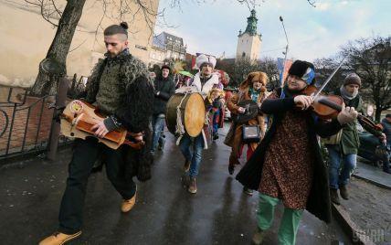 Сколько на туристах зарабатывают бюджеты Львова и Одессы