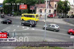 Новини України: у Львові маршрутка збила дівчину на регульованому пішохідному переході
