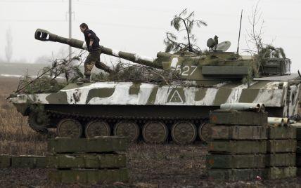 Потужні обстріли на Донбасі та поранені бійці ЗСУ. Дайджест АТО