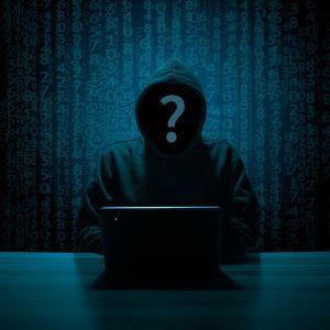 """Шахраї створили фальшивий сайт """"ПриватБанку"""" і видурюють гроші: як відрізнити підробку"""