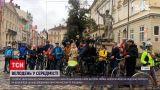 Новини України: львів`ян закликають пересісти на велосипеди – чи сприяє погода