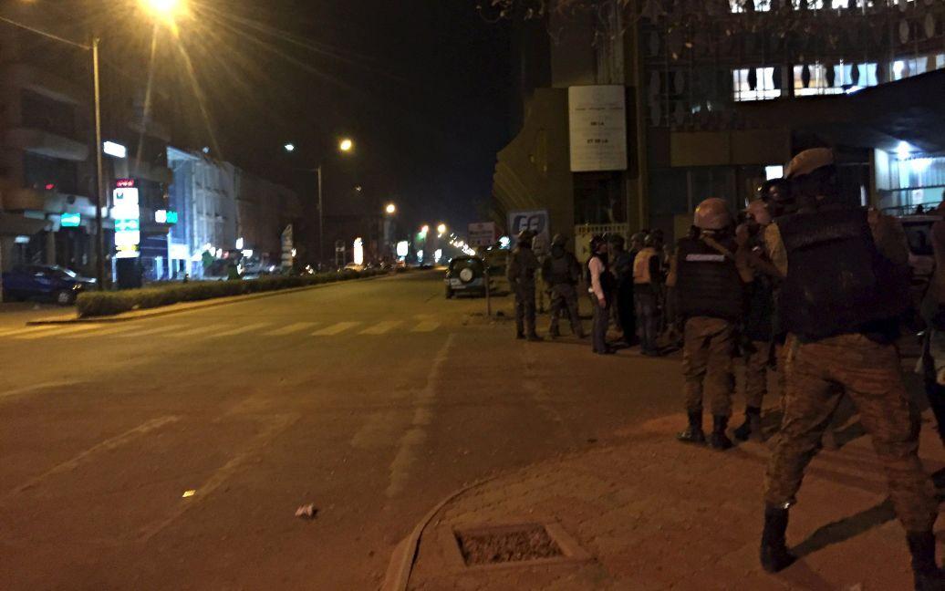 Штурм отеля продолжается / © Reuters