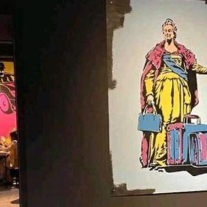 """""""Понаїхали, чемодан і Ростов"""": в Одесі популярний ресторан потрапив у скандал через картини на стінах"""