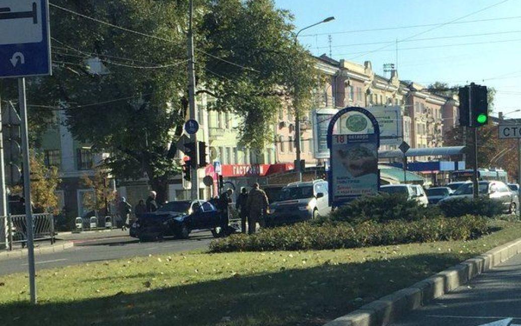 Боевики неистово избили мужчину после того, как разбили его авто / © 62.ua