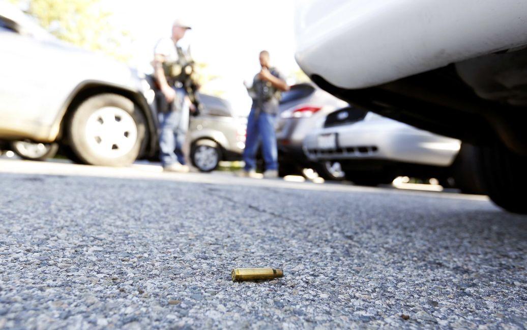 В результате стрельбы со стороны неизвестных погибли по меньшей мере 14 человек. / © Reuters