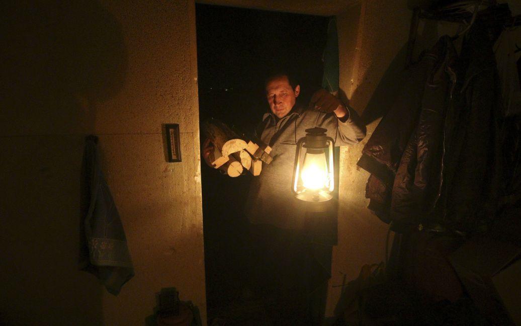 Крымчане уже неделю живут без света / © Reuters