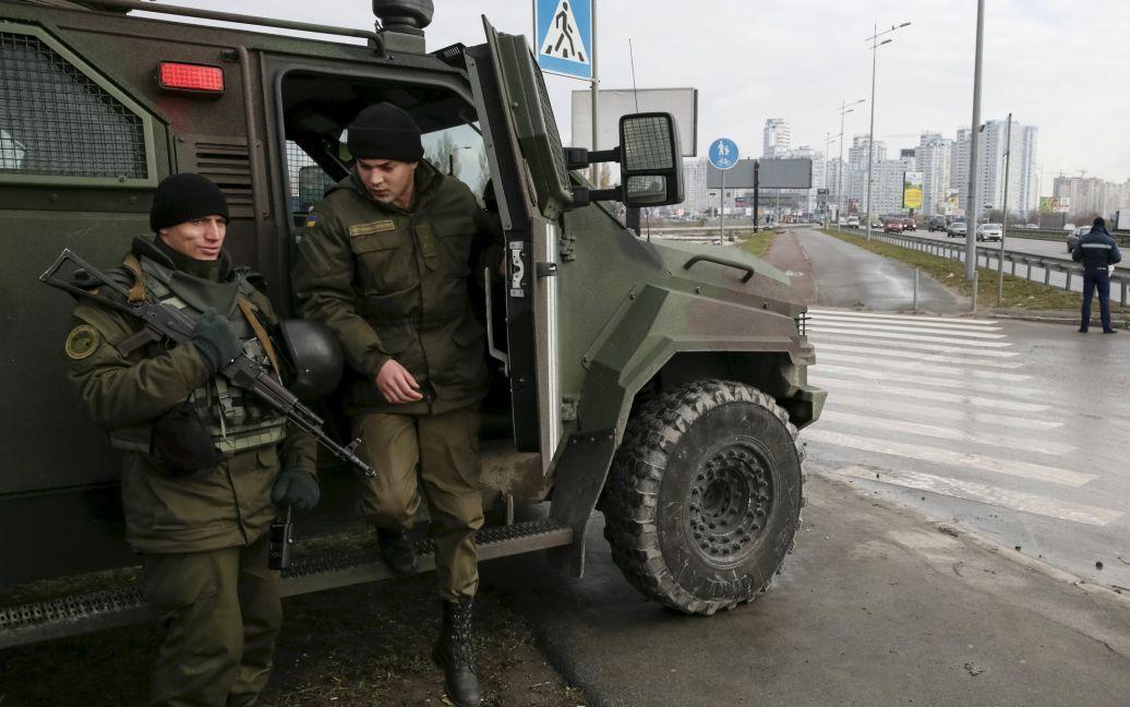 В Киеве усилили патрулирование улиц военными Нацгвардии. / © Reuters