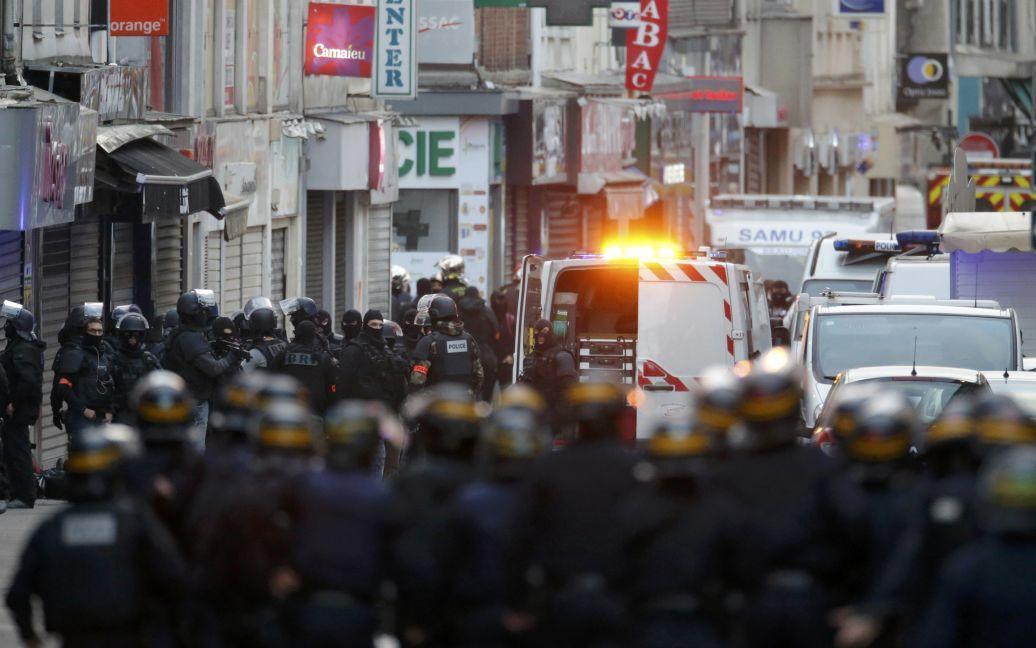 Улицы пригорода заполнили военные и полицейские / © Reuters