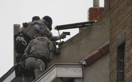 Во время спецоперации в Париже полицейские убили двух предполагаемых террористов - СМИ
