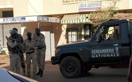 """Группировка """"Аль-Каиды"""" взяла на себя ответственность за захват отеля в Мали"""