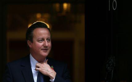 Падение российского самолета могла вызвать бомба - премьер Великобритании