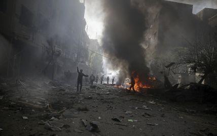 """Франция нанесла новый мощный авиаудар по """"столице"""" Исламского государства"""