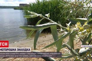 Новости Украины: в Николаеве рыбалка нашел в реке притопленное тело убитого мужчины