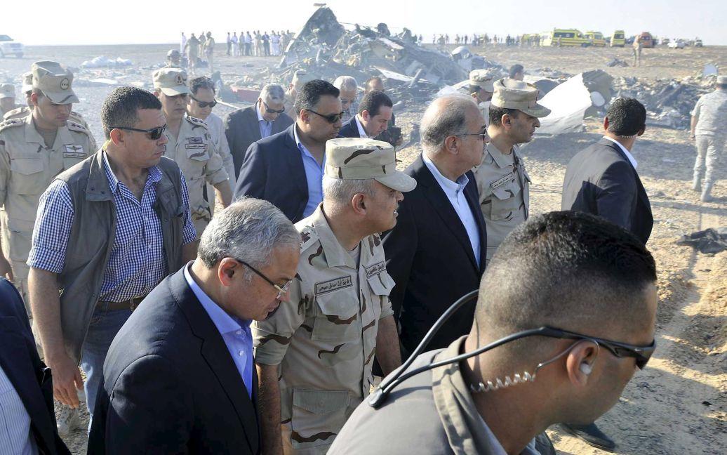 Место падения самолета посетил премьер-министр Египта. / © Reuters