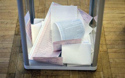 Столичный теризбирком принял первые протоколы по выборам мэра и Киевсовета