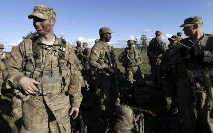 НАТО против России: у кого сильнее армия. Инфографика