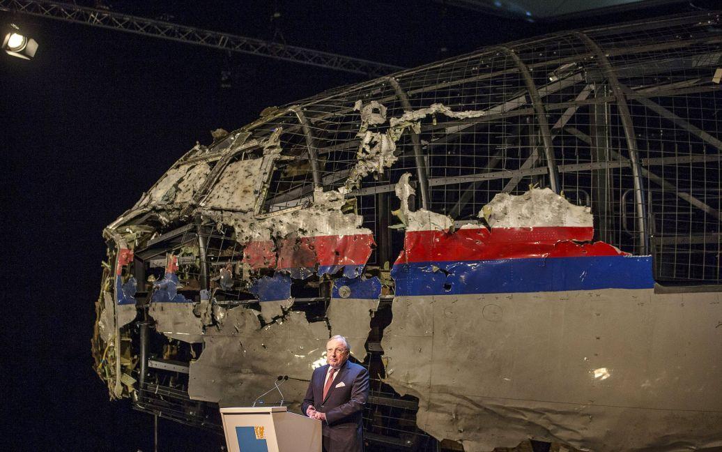 Експерти відновили частину літака з уламків / © Reuters