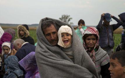 Туск считает беженцев угрозой для Шенгена
