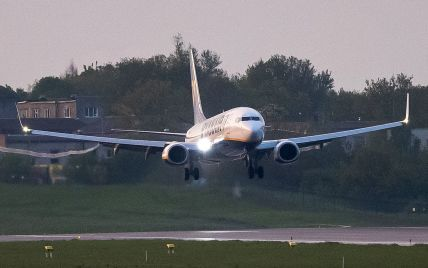 США прекращают продажу билетов на рейсы в Беларуси