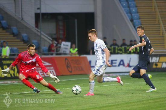 Шевченко довикликав у збірну України трьох футболістів